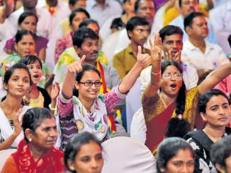 Crowd enjoying the Hamsalekha music concert  at the Kannada sahitya sammelana in Raichur on Sunday. -Photo by KRISHNAKUMAR P S